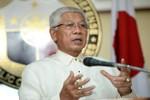 Gazmin: Ngư dân Philippines cứ ra khơi, cần thiết sẽ có tàu hộ tống