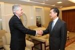 Mỹ - Trung thảo luận về chuyến viếng đền Yasukuni của Thủ tướng Nhật