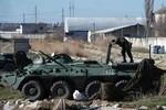Nga chiếm căn cứ hải quân Feodosia, 3 tàu Ukraine vẫn từ chối đầu hàng