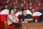 Báo Hàn: Vợ Kim Jong-un tống giam một ngôi sao ca nhạc