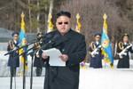 """Ảnh: Kim Jong-un đeo kính râm dự """"thệ sư đại hội"""""""