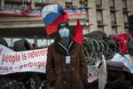 """""""Ngoại trưởng Donetsk"""" khăng khăng đòi trưng cầu dân ý ly khai"""