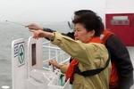 Đắm phà Hàn Quốc: Tổng thống thức trắng đêm, ra tận nơi đôn đốc cứu hộ