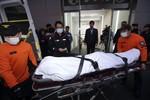 Đắm tàu Hàn Quốc: Thi thể các nạn nhân bắt đầu dạt ra ngoài