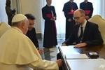 Yatsenyuk đề nghị Giáo hoàng cầu nguyện cho Ukraine