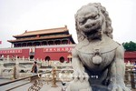 """Học giả Trung Quốc: Việt Nam muốn không bị đánh, phải """"ngoan""""?!"""