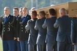 Ảnh: Hà Lan trang trọng cử hành quốc tang đón thi thể nạn nhân MH17