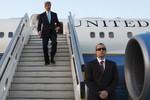 Chuyên cơ Ngoại trưởng Mỹ hỏng giữa đường, John Kerry bực tức