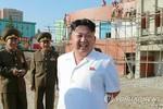 Kim Jong-un kiểm tra bắn thử nghiệm tên lửa trong ngày Giải phóng