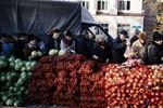 Báo Anh: Phe ly khai Ukraine dùng rau củ hạ giá thu hút cử tri đi bầu?