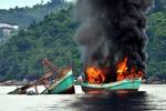 Indonesia đánh chìm tàu cá láng giềng ở Biển Đông có đúng luật?