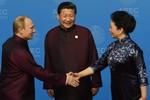 """Trung - Nga chỉ là bạn bè """"trách nhiệm hữu hạn"""""""
