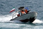 Iran bắn cảnh cáo, bắt tàu chở hàng Mỹ ở Vùng Vịnh