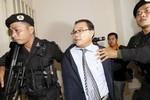 Nghị sĩ chống phá biên giới Việt Nam-Campuchia thoát tội phản quốc
