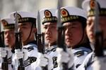 """""""Nga - Trung ồ ạt lấp khoảng trống quyền lực của Hoa Kỳ ở Syria, Biển Đông"""""""