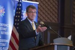 Hôm nay Bộ trưởng Quốc phòng Mỹ lên thăm tàu sân bay trên Biển Đông