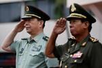 Bộ trưởng Quốc phòng Trung Quốc thăm Campuchia, viện trợ vũ khí khí tài quân sự