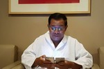 """Hun Sen vượt Sam Rainsy về lượng """"Like"""" trên Facebook"""