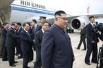 Ông Kim Jong-un khéo léo tránh đường lưỡi bò khi dùng máy bay Trung Quốc