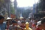 Dân bức xúc, nhà sư thay tượng Phật cổ bằng tượng mình đi khỏi chùa?