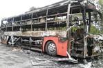 Xe giường nằm bốc cháy, hành khách thoát nạn trong gang tấc