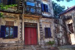 Kì lạ 'làng nhà giàu' và những căn biệt thự cổ bị lãng quên