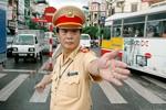 """Tướng Nghị: """"Không phải mang CMTND, hộ khẩu khi đi xe không chính chủ"""""""