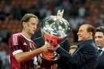 Cựu Thủ tướng Italia Silvio Berlusconi bị bắt: 'Bầu Kiên' của AC Milan