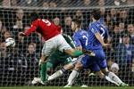 "Chelsea 0-2 Swansea: Ivanovic ""giúp"" Chelsea thua đau ở lượt đi"