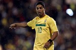 """Ronaldinho: """"Nếu có tôi, M.U còn vô địch nhiều hơn nữa!"""""""