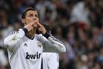 Real Madrid 1-1 M.U: Ronaldo ghi bàn, Sir Alex vẫn... cười tươi