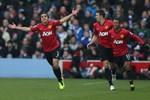 QPR 0-2 M.U: Màn trình diễn chói sáng của Rafael