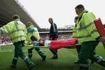 Van Persie & 10 chấn thương kỳ quặc nhất trong lịch sử Premier League