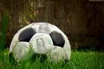 Mặt tối của bóng đá: Khi cầu thủ không giàu như bạn nghĩ