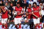 QPR 0 - 1 Arsenal: Walcott ghi bàn sớm, Arsenal quay lại vị trí thứ 3