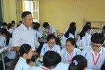 Thầy giáo khuyết tật Phạm Văn Sơn đầy nghị lực, tâm huyết với nghề