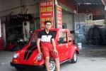 Nam sinh đất Nam Định tự thiết kế, lắp ráp ô tô chạy bằng động cơ điện