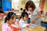 Cô giáo tiểu học Bùi Thị Dung say mê, sáng tạo với công việc