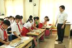 Thầy giáo Vũ truyền cảm hứng cho học sinh học mỹ thuật