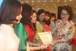 60 giáo viên Hải Dương được trao giấy chứng nhận giáo viên dạy giỏi