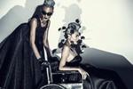 Lê Thúy đẩy xe lăn cho Thùy Trang Next Top Model