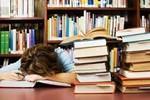 Điều kiện vật chất tốt, vì sao có học sinh-sinh viên tê liệt tự học?