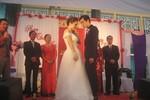 """Ca sĩ 'Tình yêu màu nắng"""" hạnh phúc trong ngày cưới"""