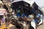 Tai nạn liên hoàn khiến 1 người chết và 12 người bị thương