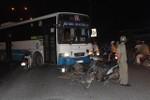 Tông vào đầu xe buýt khi trên đường về quê đón Tết