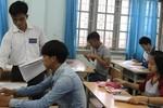 Giám thị, thầy cô tự làm biểu mẫu trong kỳ thi trung học phổ thông quốc gia