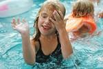 3 triệu chứng thường gặp sau khi bơi do ký sinh trùng gây ra