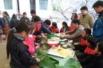 Trường Lũng Thầu gói bánh Chưng, cho học trò trải nghiệm