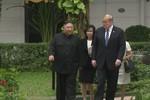 Tổng thống Donald Trump và Chủ tịch Kim Jong-un kết thúc họp kín