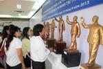 Trưng bày 32 phác thảo mẫu tượng đài Bác Hồ mới